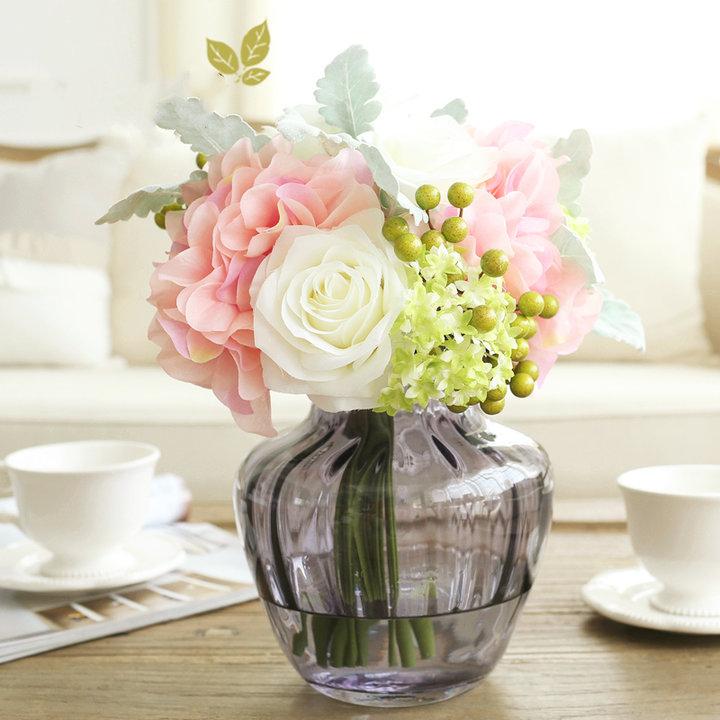 米子家居·客厅玻璃花瓶图片